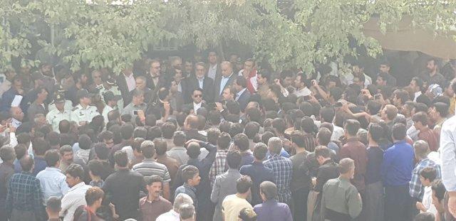 بازدید وزیر کشور از روستای زلزله زده چم زرشک ثلاث باباجانی